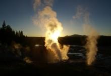 Geisers, stoomkolommen, modderpoelen en douches - Norris Campground, Wyoming