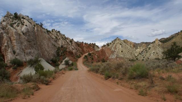 Cottonwood Canyon Road - Paria Canyon Guest Ranch, Utah